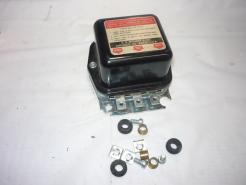 1958–1963 Ford tractor voltage regulator12 V