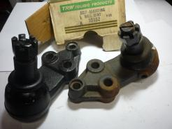 10152 1961 OLdsmobile ball joints