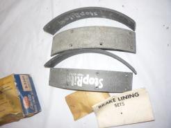 49 -54 Mercury brakelining set