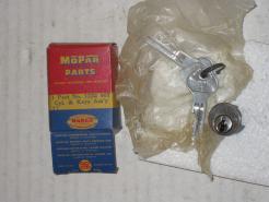 1950 51 52 53 54 55 1956 Chrysler Desoto NOS trunk lock w/keys # 1332807